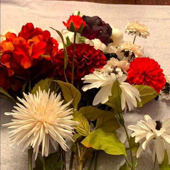 NEW Bundle of 12 Different Silk Faux Flower Stems